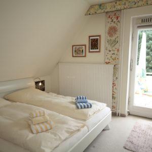 malerhaus-kuhse-ferienwohnung-bernstein-schlafzimmer