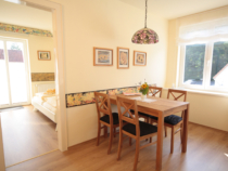 malerhaus-kuhse-ferienwohnung-seestern-esszimmer
