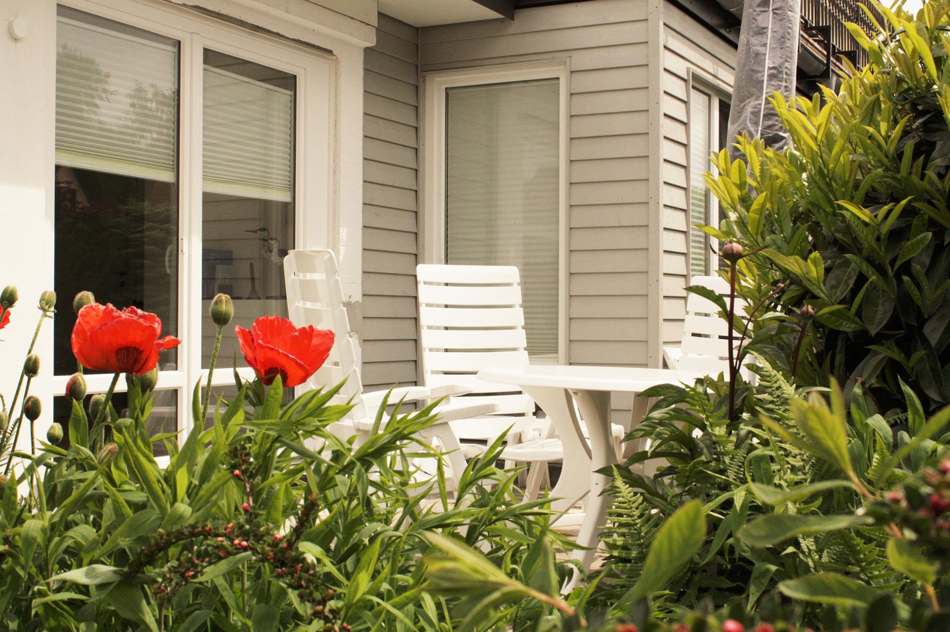 malerhaus-kuhse-ferienwohnung-klatschmohn-terrasse