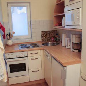 malerhaus-kuhse-ferienwohnung-bernstein-kueche