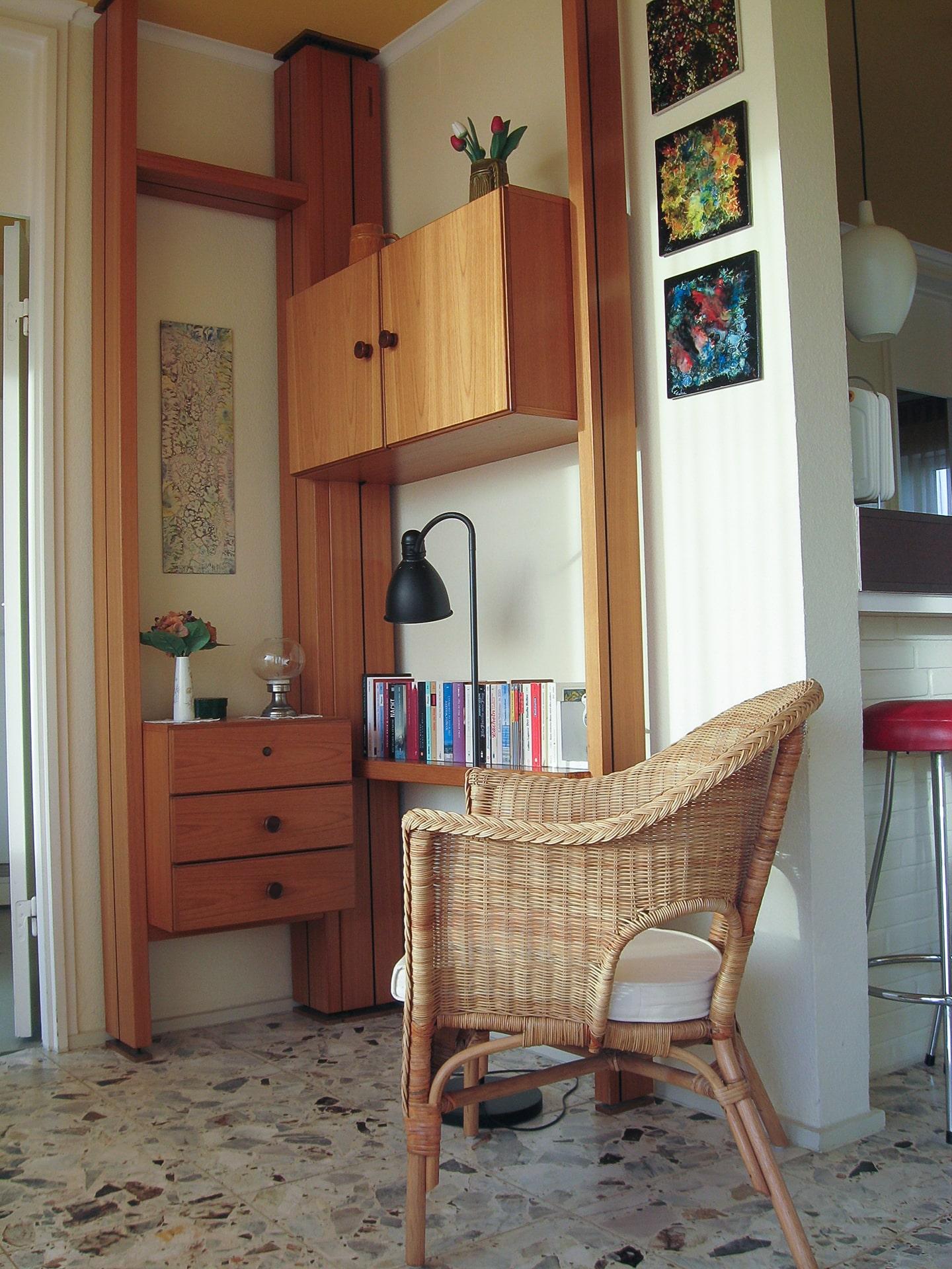 malerhaus-kuhse-ferienwohnung-hohes-ufer-leseecke